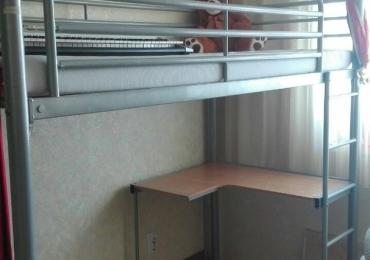Двухярусная кровать со столом