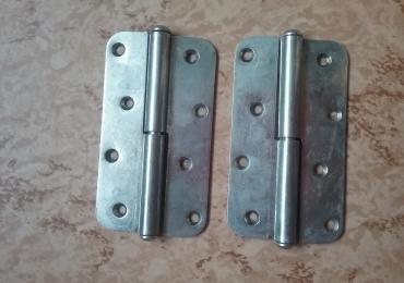 Продам новые дверные петли, 2 шт. за 7 евро.