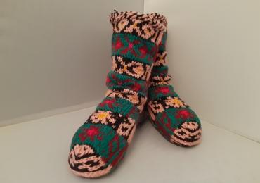 Тёплые носки с этническим характером