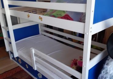 Продам двухярусную кровать,детскую