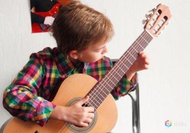 Ускоренные курсы, индивидуальные занятия гитарой (г. Нарва).
