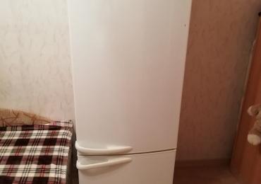 Продам б/у холодильник в приличном состоянии